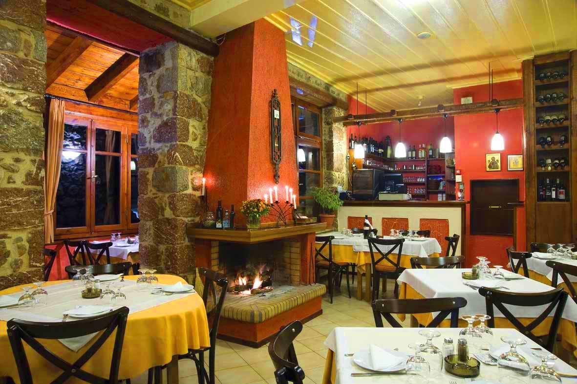1-Taverna-Agnantio-Aravhova